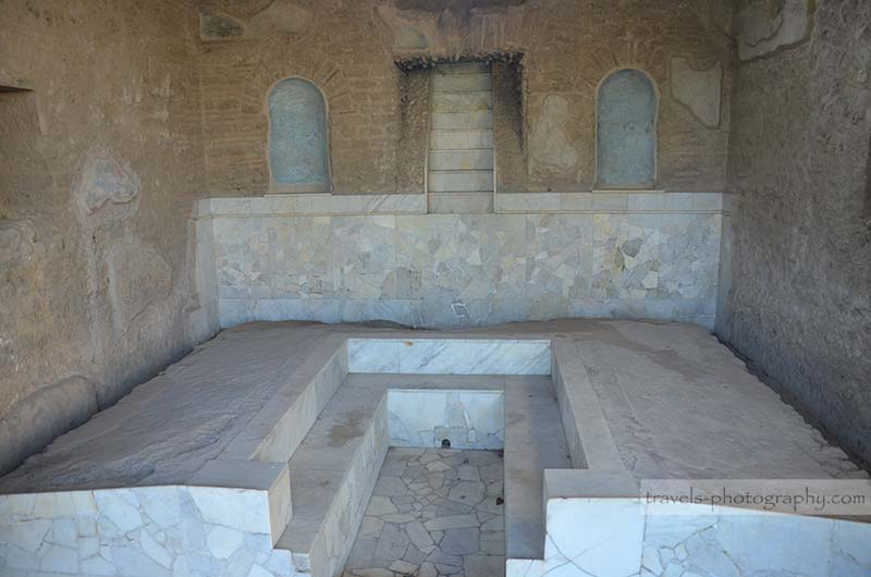 Antikes Badezimmer - Reisefotografie aus der historischen Stadt Pompeij in Italien