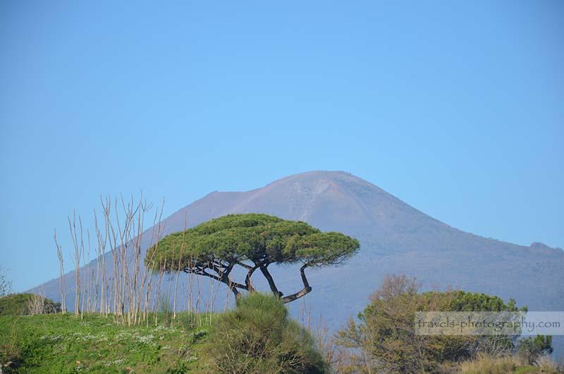 Vesuv Vulkan - Reisefotografie aus der historischen Stadt Pompeij in Italien