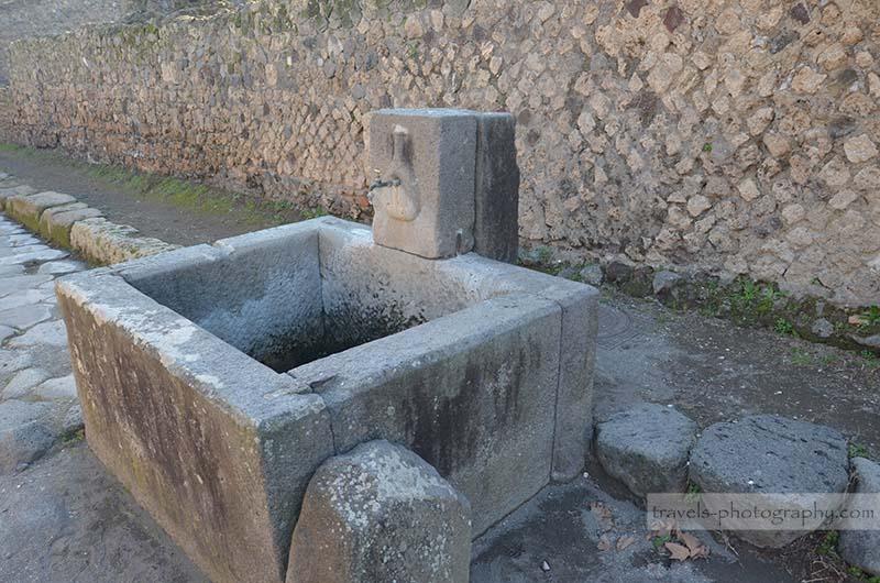 Brunnen - Reisefotografie aus der historischen Stadt Pompeij in Italien - Travel Photography